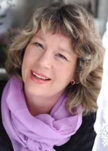 Lotta Abrahamsson, kommunikationsstrateg, som föreläsare, coachar och skriver om kreativitet och effektivitet.